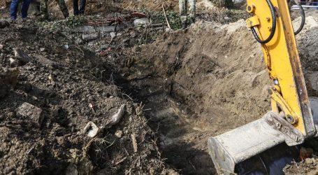U eksploziji bombe sa suzavcem u Vukovaru lakše ozlijeđena dvojica vojnika