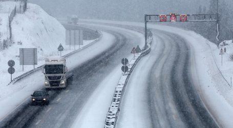 HAC objavio upozorenje zbog zimskih uvjeta na cestama