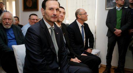 Plenkovićevi oponenti održali skup u Imotskom, komentirali i karneval