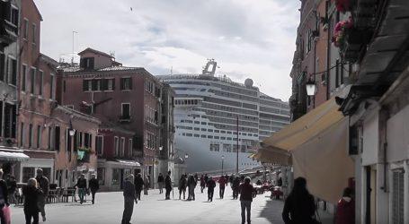 VIDEO: Obalni turistički gradovi izbjegavaju velike kruzere