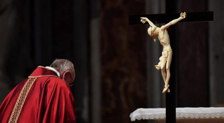Vatikan će danas otpečatiti arhivuo najkontroverznijem papi u povijesti