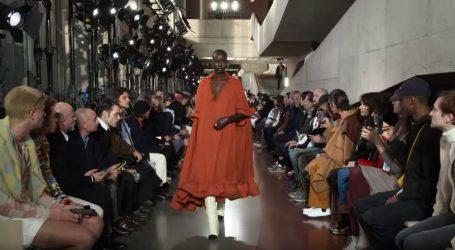 Adut Akech suvereno korača modnim pistama