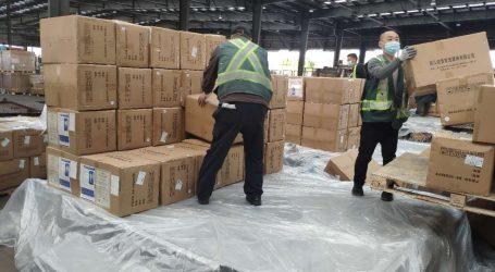 Ministar Beroš objavio fotografiju paketa medicinske opreme na putu iz Kine za Zagreb