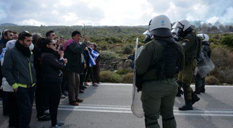 Stotine migranata probile kopnenu i morsku granicu Grčke, neki već na Lezbosu