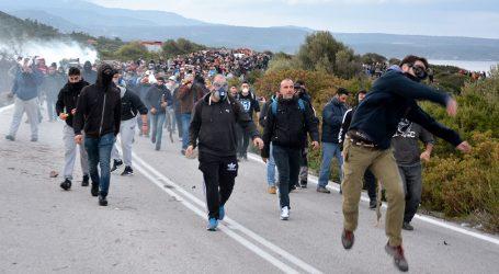Na Lezbosu se sukobili migranti i redarstvenici