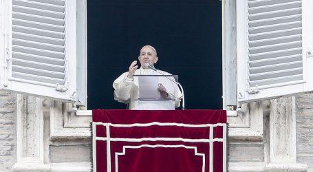 Papa Franjo se testirao na koronavirus, test je negativan