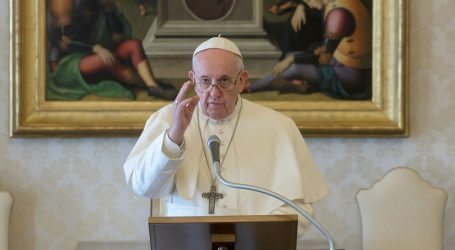 Jedna osoba u papinskoj rezidenciji pozitivna na koronavirus