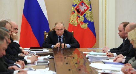 Putin za održavanje referenduma o ustavnim promjenama, usprkos koronavirusu
