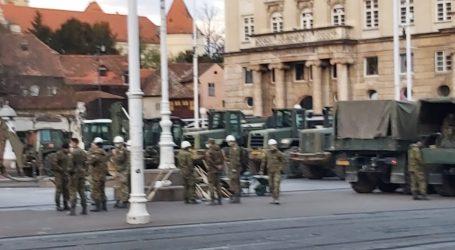 VIDEO: Pogledajte kakvo je stanje na glavnom zagrebačkom trgu nakon što je stigla vojska