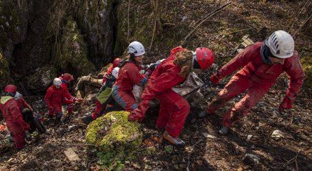 Lidl Hrvatska predao donaciju inicijativi Čisto podzemlje