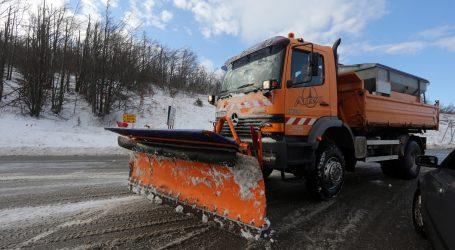 HAK: Zbog olujne bure, snijega i koronavirusa ograničenja u prometu