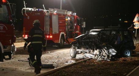 TEŠKA PROMETNA NESREĆA U DUGOPOLJU: Jedna osoba poginula, još dvije ozlijeđene