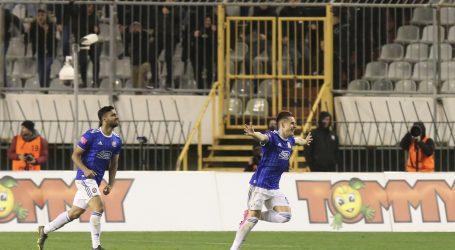 Dinamo slavljem na Poljudu pobjegao na 17 bodova prednosti