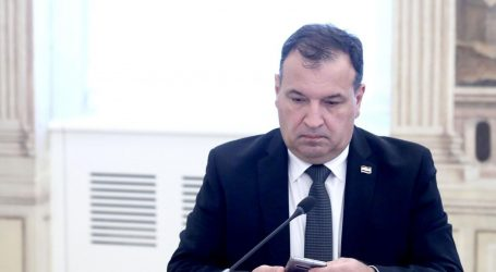 BEROŠ: 'Poduzet ćemo sve potrebno da zaštitimo zdravlje građana, razmišlja se i o zatvaranju granica'