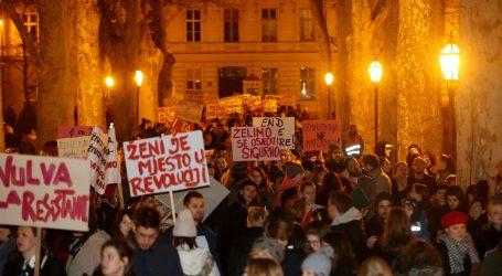 """Pod sloganom """"Živio feminizam, živio 8. mart"""" u Zagrebu održan Noćni marš"""
