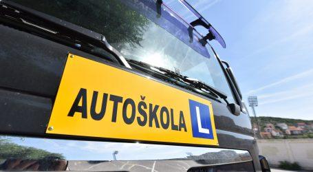 HAK: Obustava rada autoškola i polaganja vozačkih ispita na 30 dana