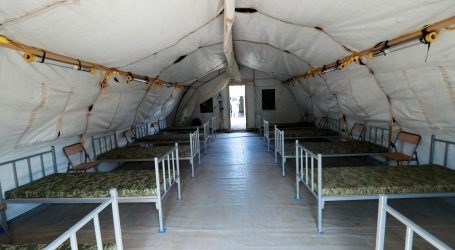 Vojska gradi natkriveni prostor između šatora i KB Dubrava