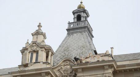 Iz predostrožnosti srušen toranj na zgradi na glavnom zagrebačkom trgu
