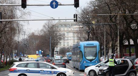 U teškoj prometnoj nesreći poginula jedna osoba na križanju Sarajevske i Albinijeve ulice