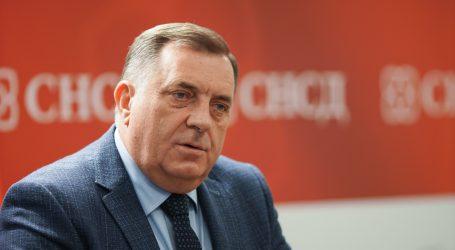 Dodik najavio karantenu već na granici, vojska postavlja šatore