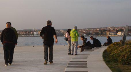 GRAĐANI ZBUNJENI: Izaći u šetnju ili ostati doma?