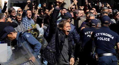 CIPAR Sukob policije i prosvjednika nakon zatvaranja kontrolne točke