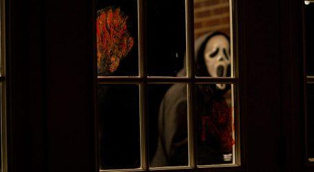 Matthew Bettinelli-Olpin i Tyler Gillett će raditi na preradi kultne horor-komedije