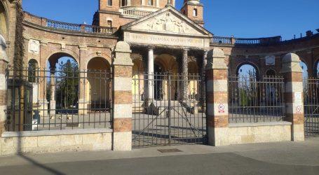 FOTO: Nacional jedini uspio ući na Mirogoj: Pogledajte štetu na zagrebačkom groblju