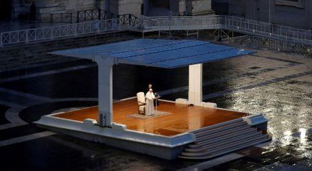 """Papa: """"Teška tama nadvila se nad naše trgove, ulice i gradove, svi smo u istom čamcu, veslajmo zajedno"""""""