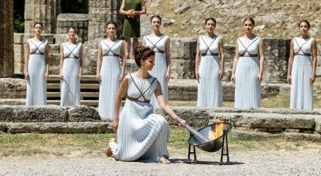 Svečanosti predaja olimpijske baklje u Grčkoj i Tokiju bez djece