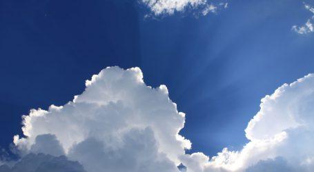 Sunčano, poslijepodne umjerena naoblaka