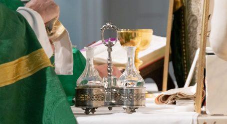 VATIKAN OBJAVIO UPUTE: Uskrsna slavlja ove godine bez vjernika