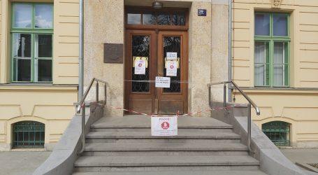VIDEO: Zagreb: Koronavirus potjerao ljude s ulica, i vrane se čude tišini