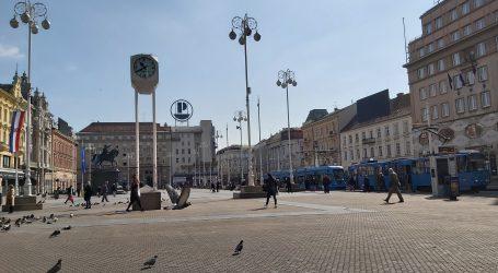VIDEO: Ulice i tramvaji prazni, maski i alkohola u ljekarnama uglavnom nema