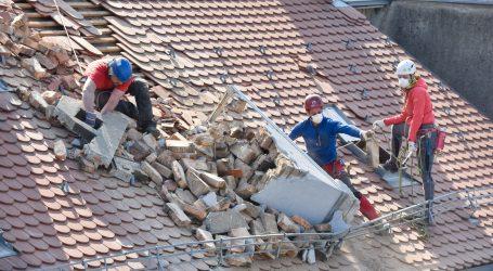 Četiri tjedna od potresa stanari porušenog centra Zagreba tješe se i pomažu međusobno