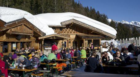 Između 600 i 1200 slučajeva zaraze koronavirusom povezano s austrijskim skijalištem Ischgl