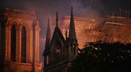 Karantena zaustavila obnovu Notre Damea godinu dana nakon požara
