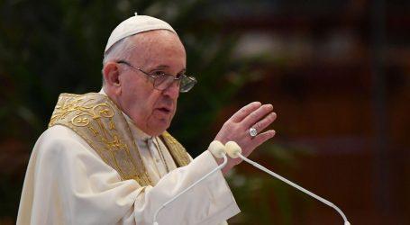 """Papa političarima: """"U borbi protiv koronavirusa, prvo zemlja zatim stranka"""""""