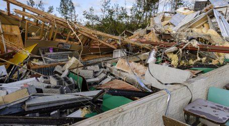 U tornadima na jugu SAD-a više od 30 mrtvih