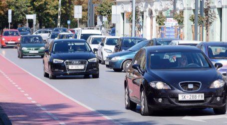 HAK: Uvjeti za vožnju povoljni, mogući kraći zastoji u zoni policijskih kontrola radi propusnica