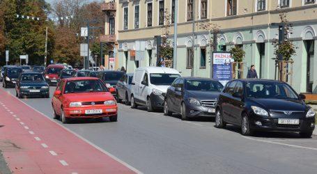 HAK: Vozače se moli da prilagode vožnju uvjetima na cesti, uočen pješak na autocesti