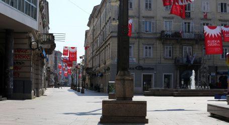 """RIJEKA: Ovog vikenda policija zabilježila više """"korona partyja"""" i rad kafića unatoč zabrani"""