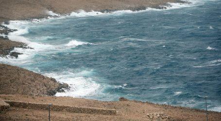 HAK: Olujni vjetar stvara probleme u cestovnom i pomorskom prometu