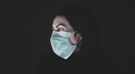 Maske suzbijaju širenje gripe i drugih virusa