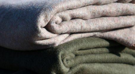 Ugodna proljetna jakna od stare deke