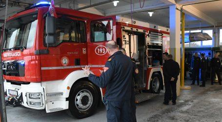 Vatrogasno vozilo iz Ekvadora na posebnom zadatku