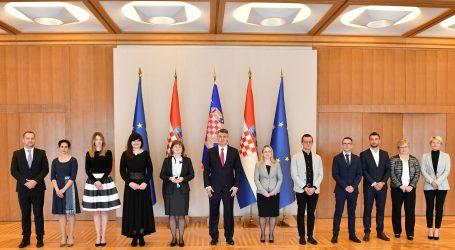 Predsjednik Milanović primio predstavnike Hrvatskog nacionalnog saveza sestrinstva