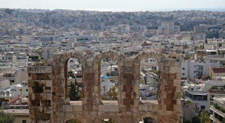 Kratki performans u Ateni za potporu kulturnjacima