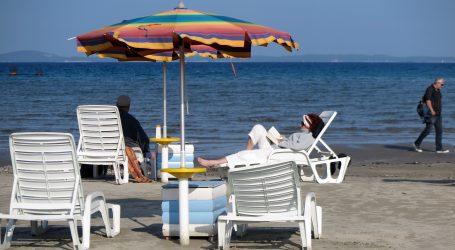 Francuska vlada savjetuje da se pričeka s turističkim rezervacijama u Europi