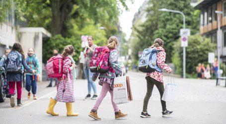 Diljem Europe učenici se vraćaju u škole